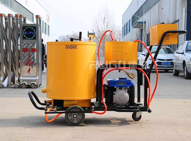 60升小型手推式沥青灌缝机施工案例